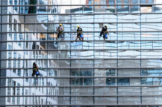 חשיבות בחירת חברת ניהול מבנים כאשר מבצעים רכישת דירה להשקעה